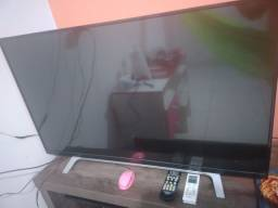 Vendo TV 40 polegadas smat semi nova