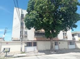 Alugo ótimo apartamento com 3 quartos no Bairro de Jardim Atlântico / Olinda