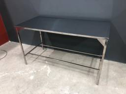 Mesa em aço inoxidável a partir de R$700 reais