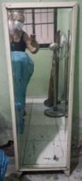 Vendo Espelho com Madeira