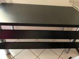 Mesa preta mais cadeira