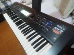 Teclado Roland GW-8 Workstation Version 2