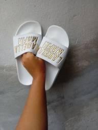Vendo sandália Labellamafia