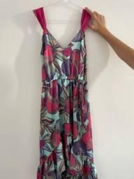 Título do anúncio: Vestido de seda floral
