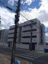 Excelentes apartamentos para locação em uma das avenidas principais do Cristo, 700,00