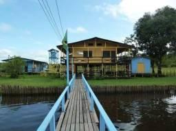 Vende-se uma propriedade a margem esquerda do Rio Araguari