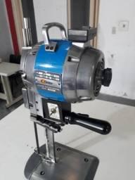 Máquina de corte industrial confecção
