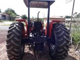 Trator Massey 4x4