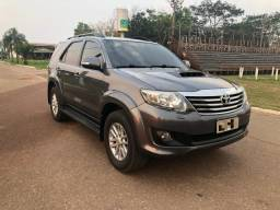 Toyota Hilux SW4 SRV 4X4 3.0 7 Lugares - 2012