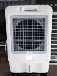 Climatizador grande muito novo!!