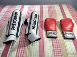 Luva de Boxe/Muay Thai Everlast Pro Style e Caneleira Training Pretorian