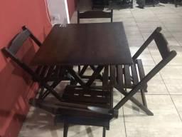 Jogos de mesas com 04 cadeiras
