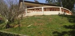 Linda Casa em condomínio com 440m², 03 Dorms, 04 vagas, amplo terreno com 1500m²,