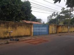 Casa com 4 dormitórios para alugar por R$ 2.800,00/mês - Cidade Alta - Cuiabá/MT