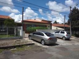 Casa para Venda em Curitiba, Guabirotuba, 4 dormitórios, 1 suíte, 3 banheiros, 3 vagas