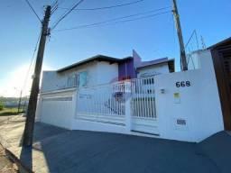 Casa com 3 dormitórios à venda, 300 m² por R$ 900.000 - Recanto Azul - Botucatu/SP