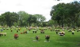 Excelente Jazigo no Cemitério Parque Iguaçú