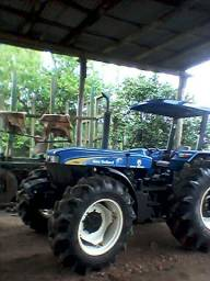 Trator New holand 7630