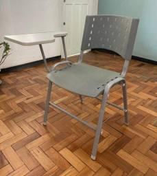 Título do anúncio: Cadeira Universitária com Prancheta - 8 Unidades