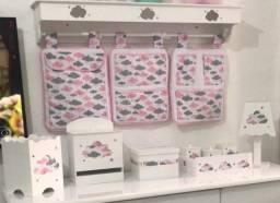 kit bebê - porta fralda, abajur, farmacinha e etc