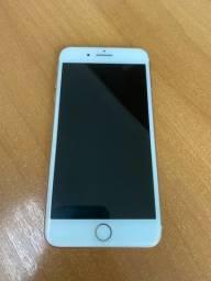 iPhone 8 Plus (rose, 64gb, acompanha fone e carregador. R$2.000,00