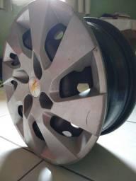 Título do anúncio: Rodas de ferro com Calotas originais