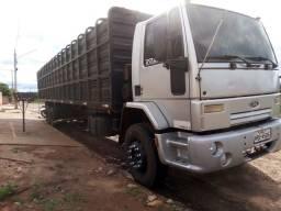 Ford Cargo 2422e - 2011