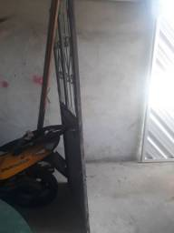Porta de ferro usada e bom estado 220