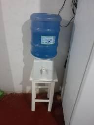 Galão de água com filtro