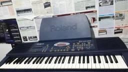 Título do anúncio: Teclado Roland Em1b