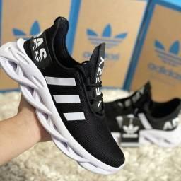 Tênis Adidas yeezy Maverick