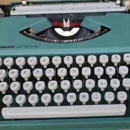 Máquina de escrever Olivério Letterman 82