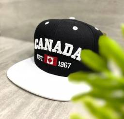 Título do anúncio: Boné Preto com Aba Branca Aba Reta Canadá