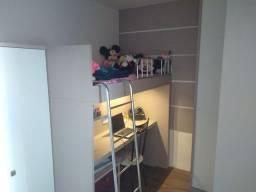 Venda - Apartamento com móveis planejados.