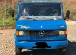 Título do anúncio: Caminhão MB 710 2010