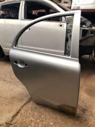 Porta Tr. Direita Nissan March 2015