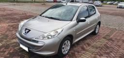 Título do anúncio: Peugeot 207 XR 1.4 2013