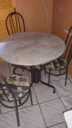 Mesa de mármore redonda 3 cadeiras apenas 280 reais!!!!