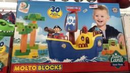 Título do anúncio: Navio Pirata brinquedo de 30 blocos somente 180R$