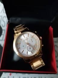 Relógio usado na caixa