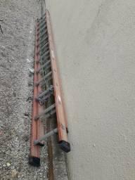 Escada de fibra com 7.20 mts