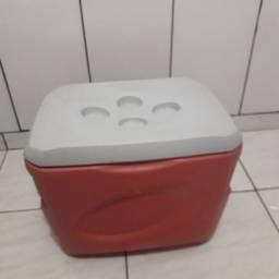 Caixa térmica vermelha