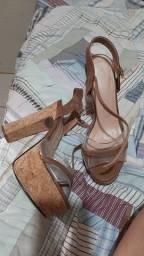 Sandália Salto de madeira (meia pata)