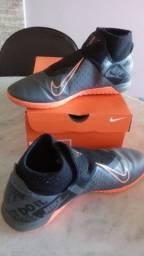 Chuteira Futsal Nike Phantom Vision Academy  - Cinza+Preto+Laranja