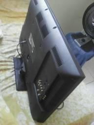 Vendo tv digital Panasonic 32 polegadas tela trincada mas funciona tudo perfeito seminova