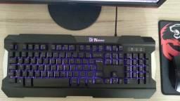Kit mouse e teclado gamer muito conservado