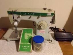 Máquina de Costura Singer 242 - Zig Zag - 110 V - sem Gabinete