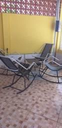 Jogo de cadeiras de fibra