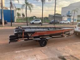 Barco de alumínio 5,5m e carretinha novo