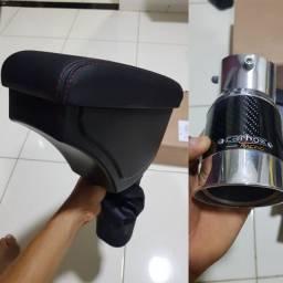 Apoio de braço e ponteira de escapamento para onix/prisma